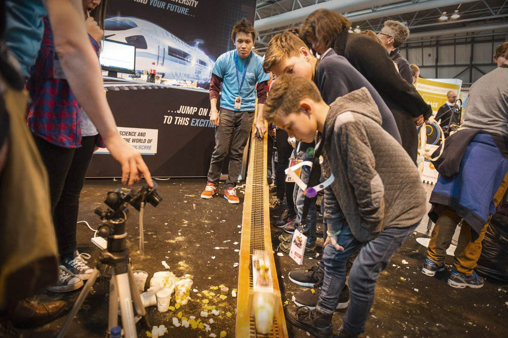 Exhibition Stand Assistant : Big bang fair